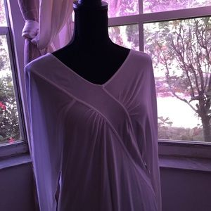 White knit top BCBG